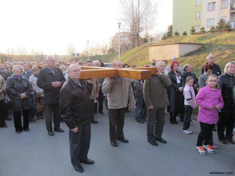 Droga Krzyzowa Ulicami Osiedla 2012 (3)